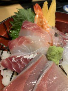 「新橋 魚の飯(さかなのまんま)」の海鮮丼